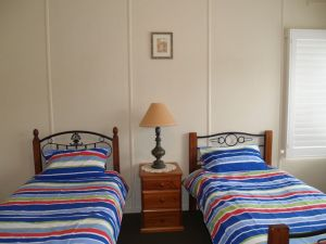 Walsh Cottage - Lismore Accommodation