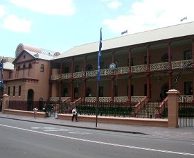 Parliament House - Lismore Accommodation
