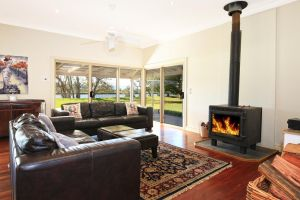 Terara Riverside Retreat - Lismore Accommodation